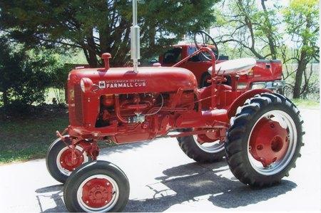 Cust87 besides Johndeere B moreover 281801733412 besides 364fp as well Dek266. on mccormick farmall cub tractor